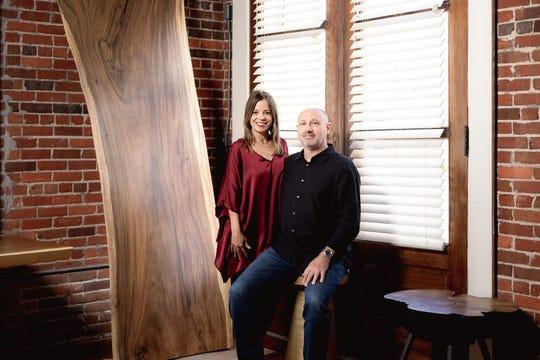 Pemilik Madera Craft Furnishings Josh dan Imet Oberhausen berharap showroom baru mereka di Pensacola akan dikenal sebagai tempat pertemuan seni dan alam.