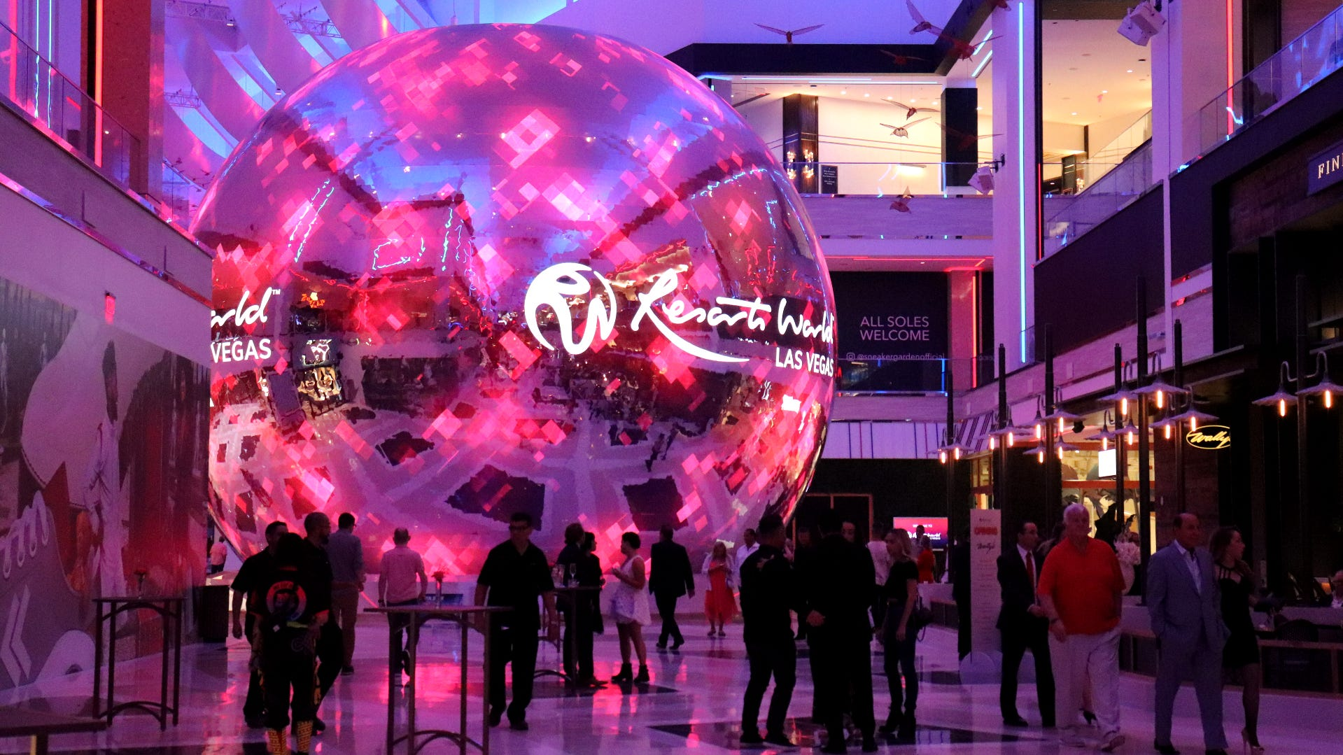 Las Vegas Strip mega-hotel Resorts World now open