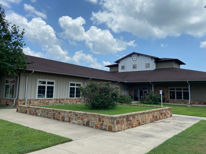 Bastrop City Hall, at 1311 Chestnut St., is the location for Bastrop City Council and other local government meetings.
