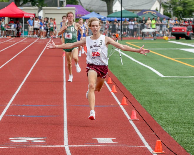 Chase Leach wins the 3,000 to help La Salle stake claim to a pair of golds.