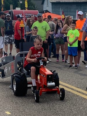 A pedal puller competes at Tusky Days Festival.