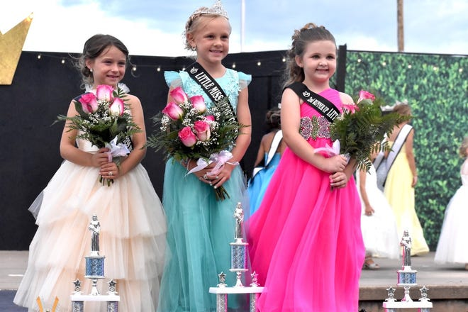 Ivery Hull, center, will serve as the 2021 Little Miss Henry County Fair. She was crowned on Tuesday, June 22, on the fairgrounds in Cambridge. Breckyn Granell, first was named first runner up and Ivie Haptonstall, right, was second runner up.