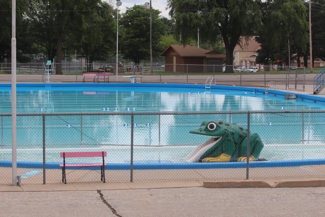 The Ellis Kinney Municipal Swimming Pool in Pratt will undergo extensive renovations or a complete rebuild for next year's swimming season.