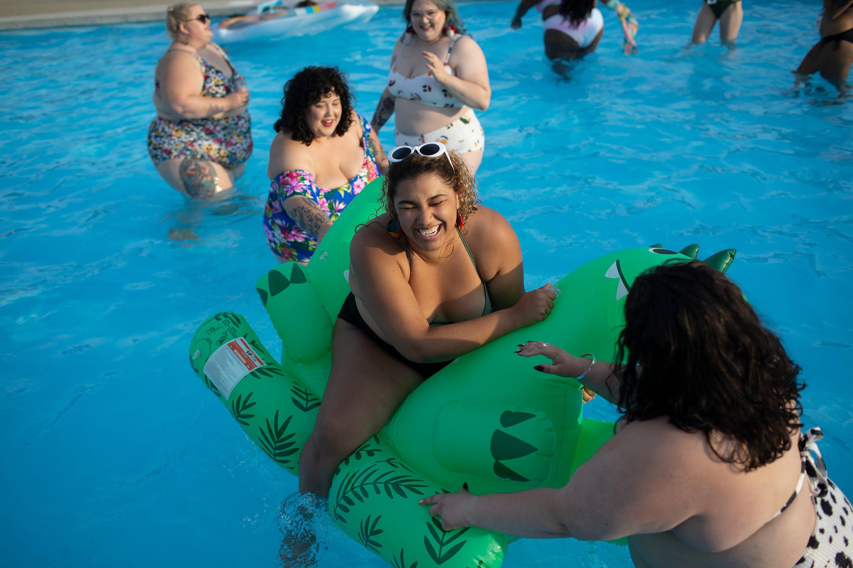 Bbw Pool