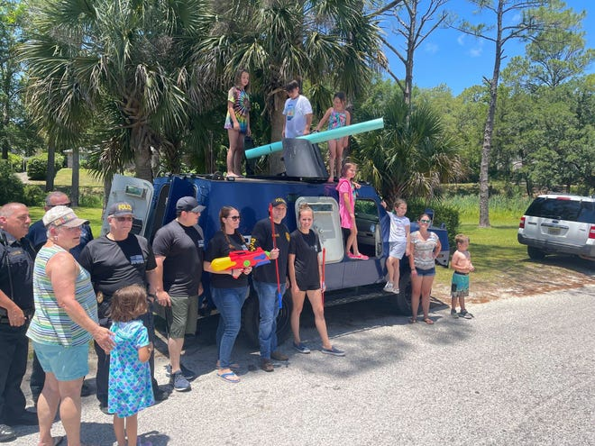The Niceville Police Department and the community came together for a day of play in the park after officers decided to support a lemonade stand they had been asked to shut down.