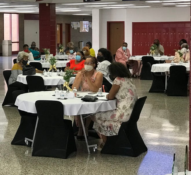 Members of the 2020 and 2021 PCPS retirees/ Courtesy of Petersburg City Public Schools