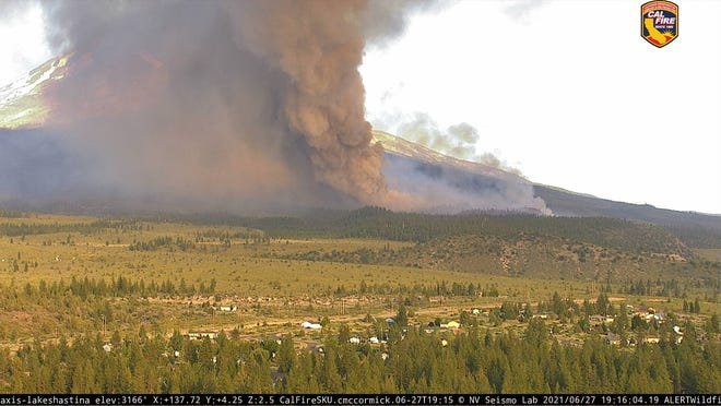 View of the Lava Fire on Sunday (June 27, 2021) evening. The fire grew from 220 acres on Sunday morning to more than 1,400 acres by Monday morning.