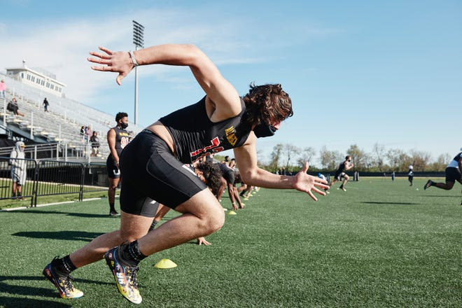 Notre Dame verbal commitment, 2023 defensive end Brenan Vernon, goes through a drill at Under Armour camp.