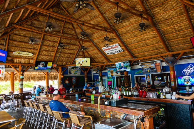 Lakeside Anchor Inn in Lantana.