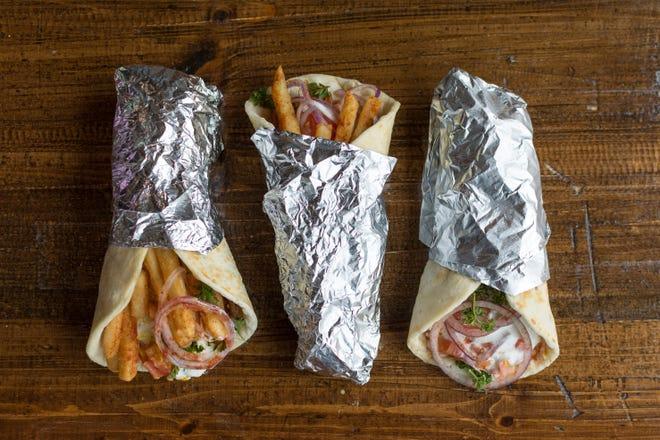 Γύρος από την Estia Greek Street Food.  Το απλό εστιατόριο σχεδιάζει μια τρίτη τοποθεσία για το Grosse Pointe Park αργότερα αυτό το καλοκαίρι.