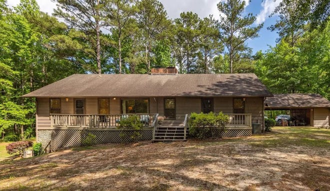 A wonderful 4,400 square foot home and 125 acres are for sale for $750,000. The property is located just northwest of Tallassee.