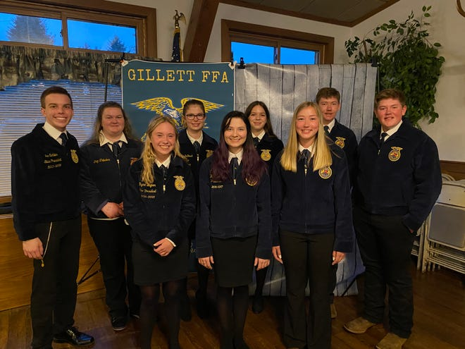 Spring time for the FFA is always filled with banquets to recognize members for their hard work throughout the year. The Gillet FFA Officers hosted their annual banquet a few weeks ago with over 100 people in attendance.