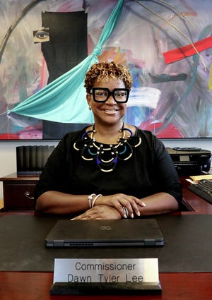 Dawn Tyler Lee ended her interim appointment as Franklin County commissioner on Thursday.