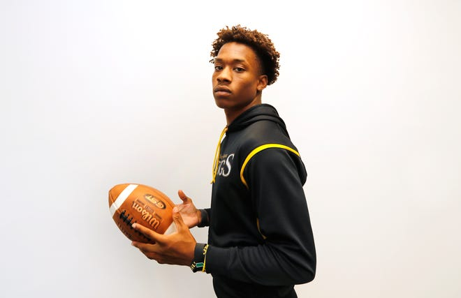 Bishop Verot football player Chris Graves, has announced his final four school options which include: University of Florida, Louisiana State University, University of Miami and University of South Carolina.