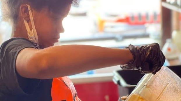 Taniya Purifoy d'Orange Summer envisage d'étendre sa gamme de vinaigrettes et rêve de posséder ses produits dans les magasins locaux.
