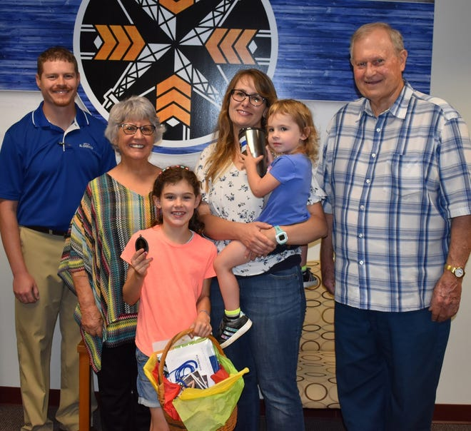 Pictured is (l-r) City Manager David Dillner, El Dorado Elks member Deb Kirkpatrick, Lilly Worrell, Courtney Worrell, holding Mable Worrell and El Dorado Elks member Roger Cutsinger. Not pictured is Nathan Worrell.
