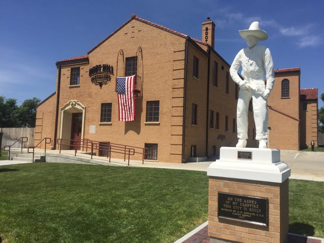 Boot Hill Distillery will host its Old Fashioned Hot Dog Party on July 3.