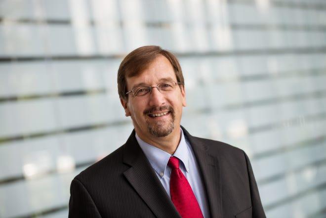 Dr Stephen Knych