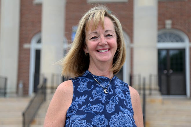 Dover400, a committee of residents organizing Dover's 400th anniversary celebration, has hired Jeanette Poulin to serve as its executive director.