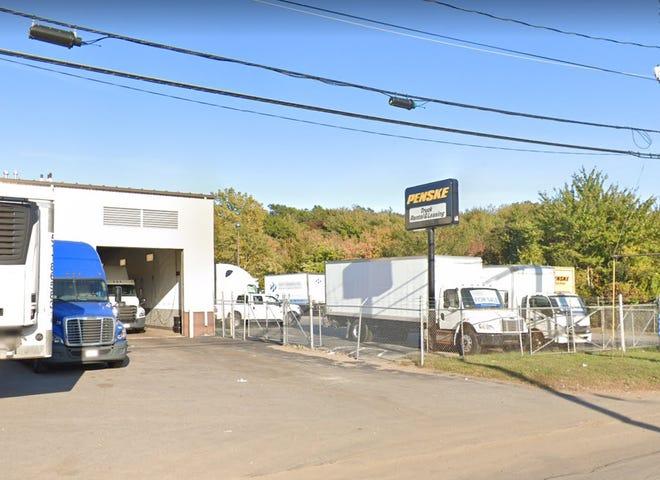 Penske truck rental on Shawmut Avenue in New Bedford