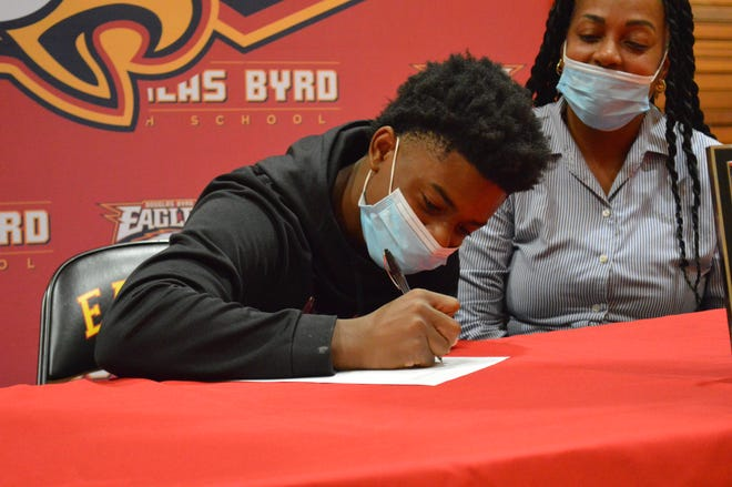 """Douglas Byrd's Marviere """"Eli"""" Smith is set to play college basketball at Virginia University of Lynchburg."""