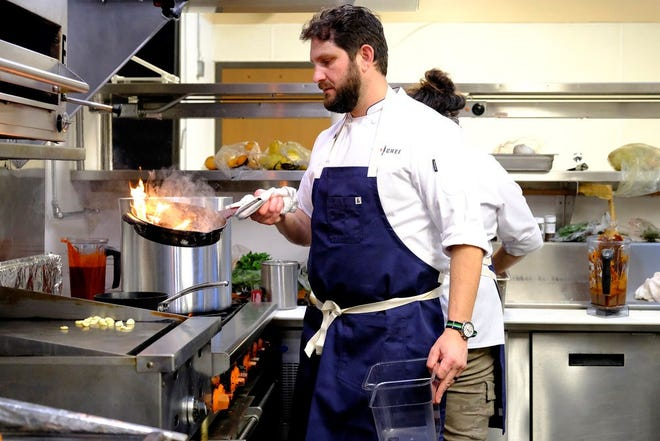 """Austin chef Gabe Erales competes on """"Top Chef."""""""