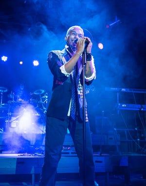 """Nicholas Wilson sings in Shadowbox Live's """"Let's Get It On."""""""