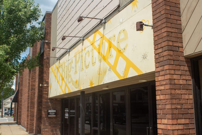 The Downtown Arts Theater, Inc. acquired the building that currently houses Liberty Print Screening and Embroidery. Once the printing company's lease ends, the theater group will renovate the property into a new theater.