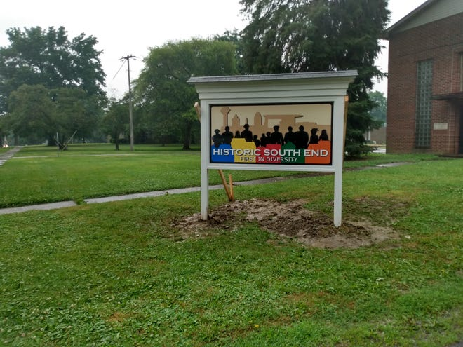A new monument sign denoting the Historic South End of Kent sits near Holden Elementary School on Franklin Avenue.