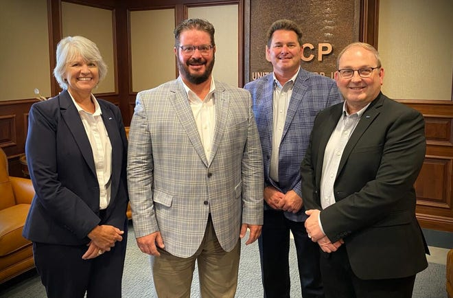 """United Bancorp Inc. President and CEO Scott Everson recently announced that United Bancorp, the parent of United Bank,has been named to the American Banker's """"Top 200 Publicly Traded Community Banks"""" list."""
