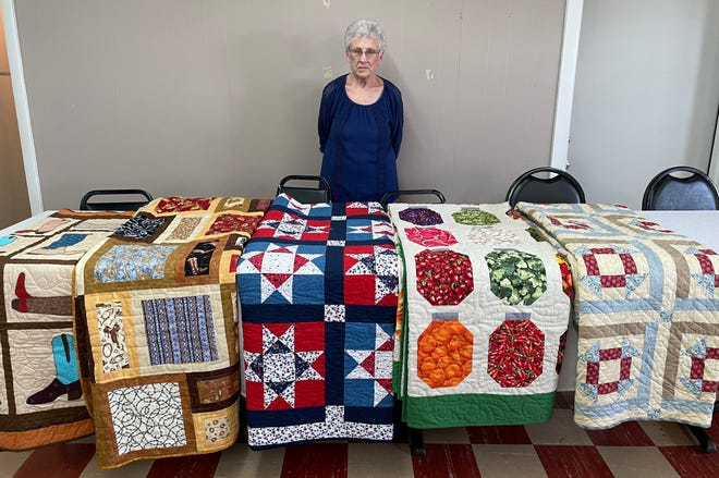 Janis Mason is the Ritzy Quilters' featured quilter.