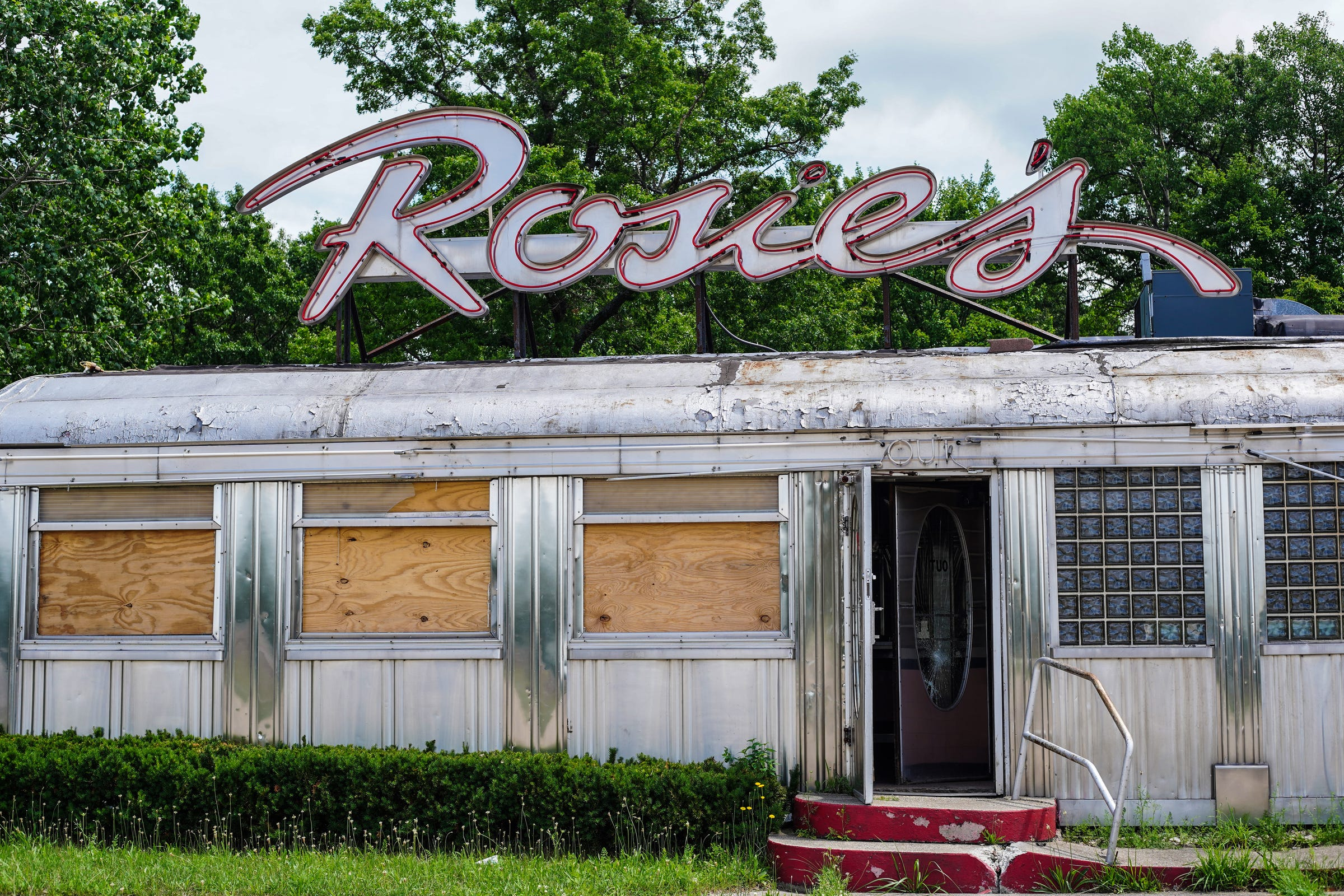 West Michigan's famous Rosie's Diner is ready for its next life