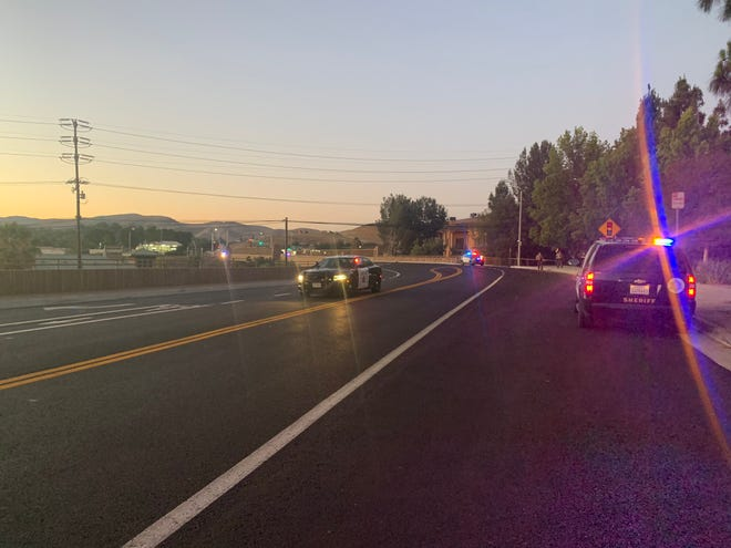 Highway 101 closed in both directions for hours in Agoura on Thursday night as Los Angeles County sheriff deputies investigated a suspicious package placed on the Palo Comado Canyon Road bridge.