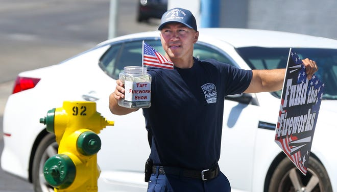 Kern County firefighters pitched in last week to help Taft District Chamber of Commerce raise money for the annual Fourth of July Fireworks Show.
