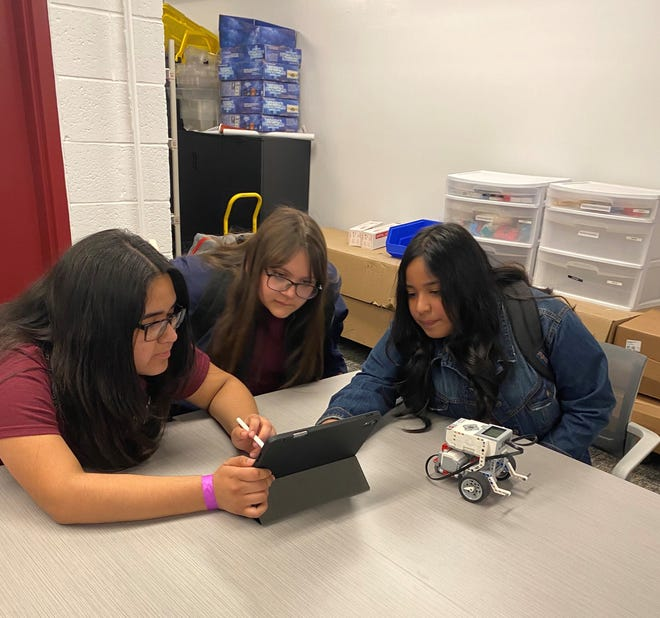 A group of New Mexico State University College of Education staff members started the STEM Sisterhood in November 2019 part of the Chaparral Outreach Program. The program encourages seventh- and eighth-grade girls to explore careers in science, technology, engineering and math, and potentially enroll at NMSU after graduating high school.