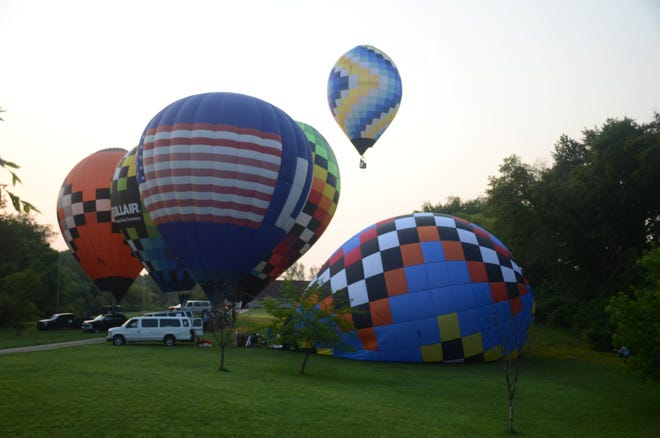 Balloons were flying again Sunday morning for the last competition event of the 2021 Field of Flight.