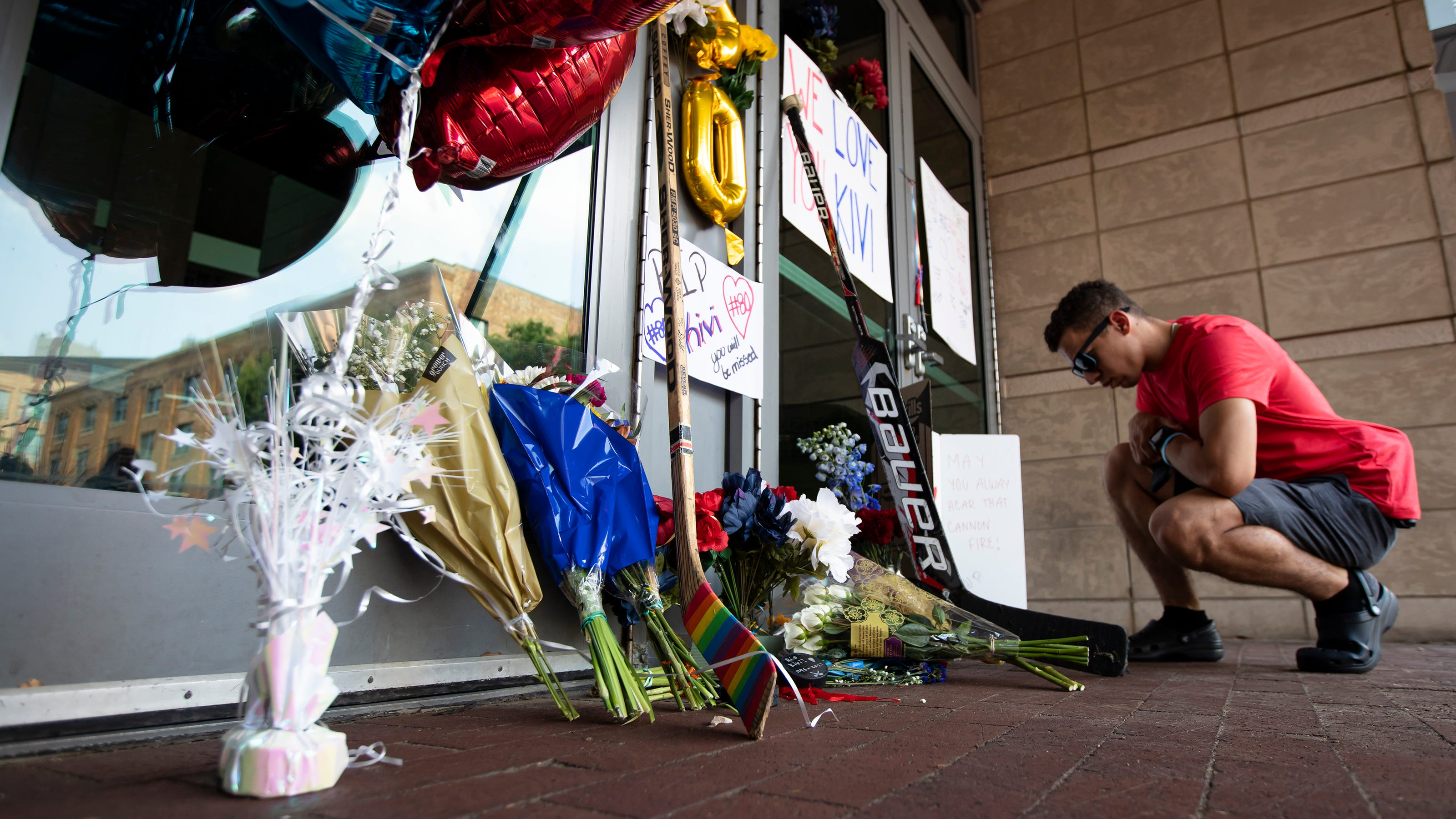 Columbus Blue Jackets fans gather to mourn death of Matiss ...