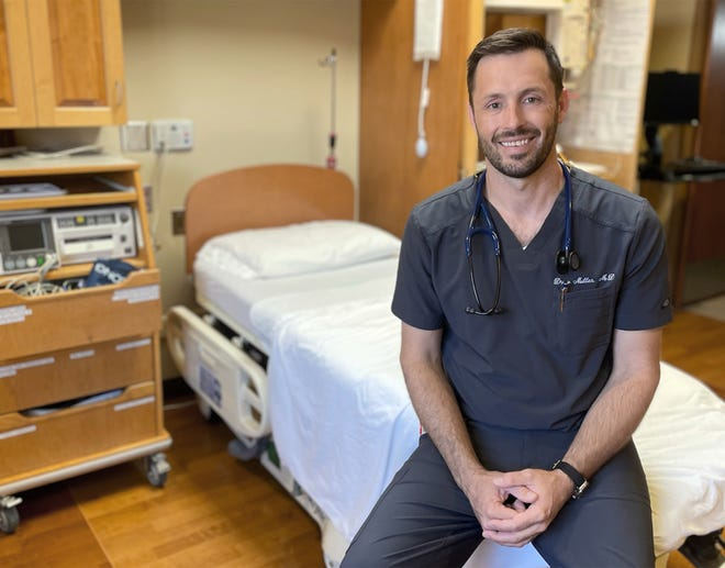 Leoti native Drew Miller has been named the 2021 Kansas Family Physician of the Year by the Kansas Academy of Family Physicians. Miller works at Kearny County Hospital, where he has been for nearly 11 years.
