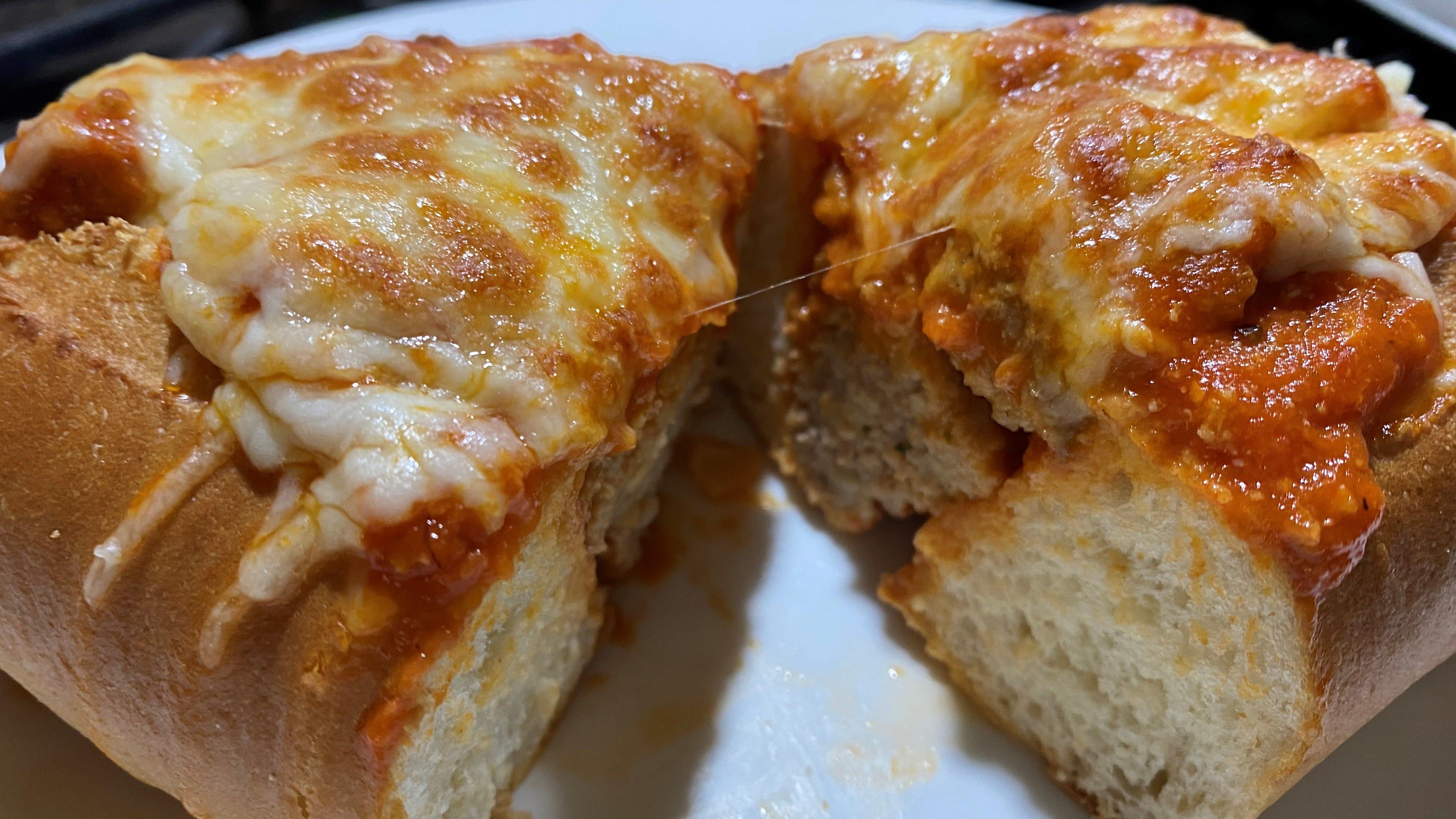 La salsa di pomodoro può essere utilizzata per la farina di carne macinata.