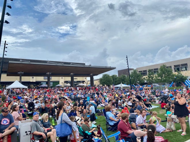 Thousands of people gathered at the Hill Country Galleria in Bee Cave to watch live music, shop, eat and participate in holiday activities for the Fourth of July.