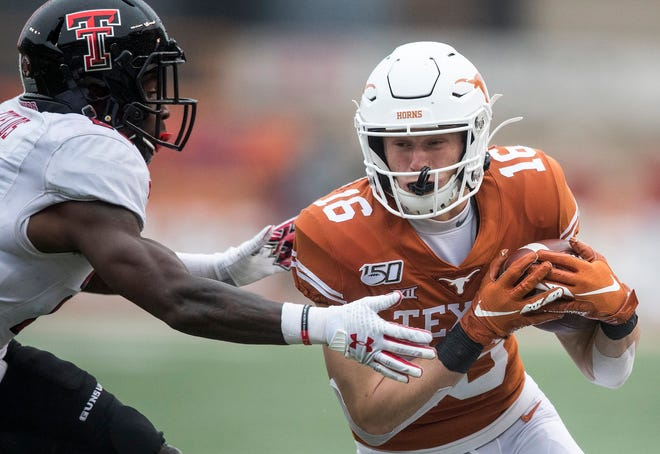 Former Texas receiver Jake Smith (16 ) had nine touchdown catches while playing for the Longhorns from 2019-20.