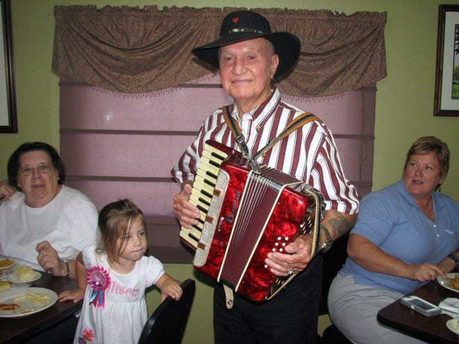 "Cajun musician ""Pott"" Folse of Raceland died Sunday at 96."
