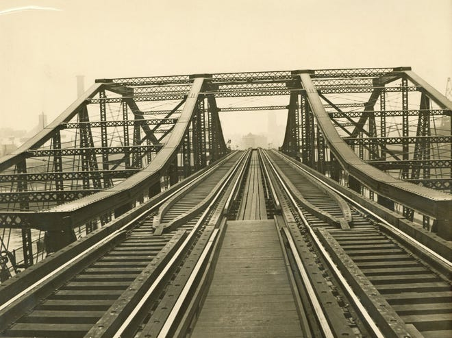 This is the north end of Charlestown Bridge as it was in 1901.