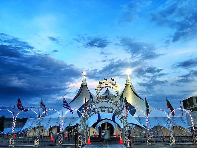L'unità d'argento di Cirque Italia è l'esterno della tenda utilizzata per il circo acquatico.