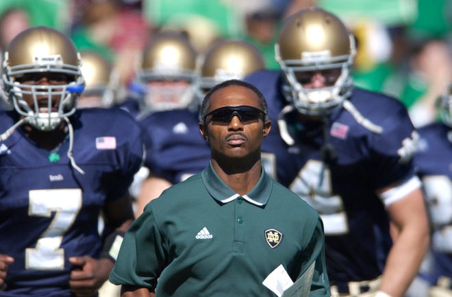 Former Notre Dame head coach Tyrone Willingham has returned to the College Football Playoff selection committee for the 2021-21 season.