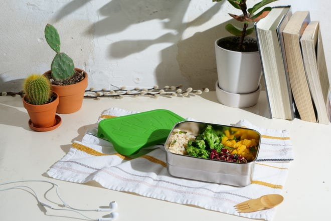 ECOlunchbox is a plastic-free lunchbox company based in Lafayette, California.
