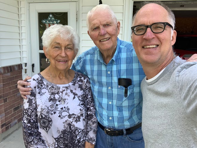 Arlene and Luverne Risius of Buffalo Center, Iowa, and son Jerry shoot a selfie.