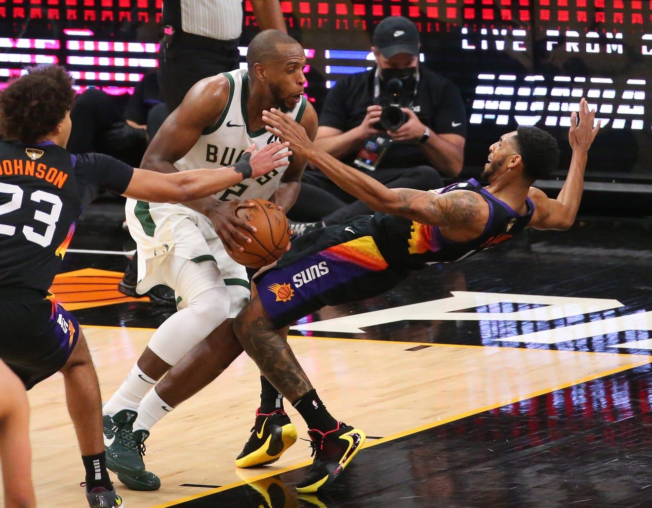 Milwaukee Bucks slammed for 'clueless' performance vs ...