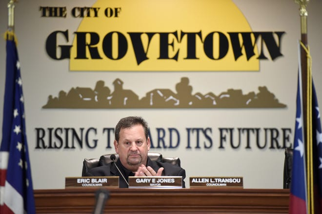 Grovetown Mayor Gary Jones announced on his Facebook page Thursday that city workers could see a minimum wage increase.