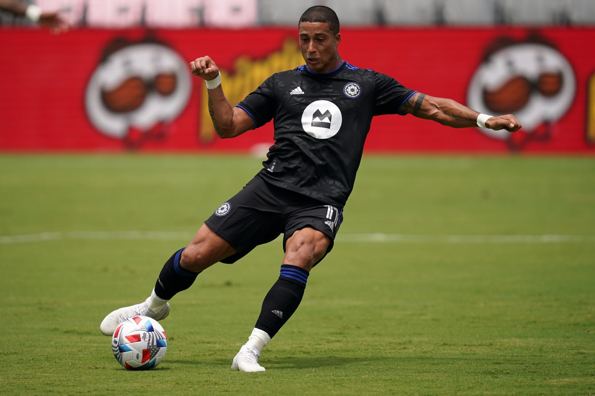 Columbus Crew acquires Erik Hurtado from CF Montreal, who traded the forward because he's not vaccinated